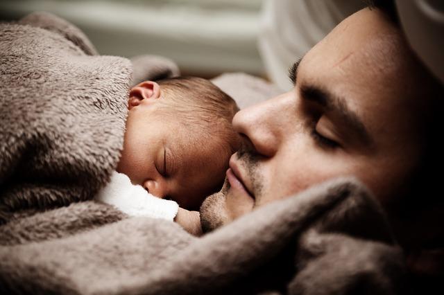 Fotografía de un padre y un hijo