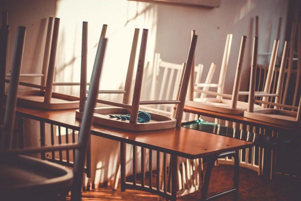 Escuela_sillas