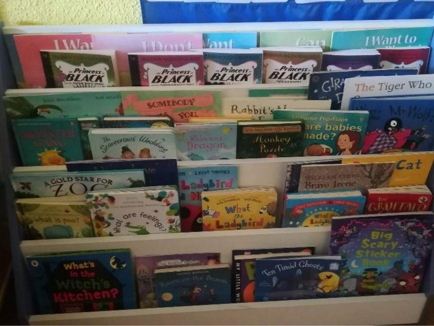 lectoescritura en inglés en casa con libros